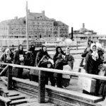immigrants arriving ellisisland